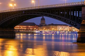 Theodor Heuss Bridge and Christuskirche. Mainz, Rhineland-Palatinate, Germany